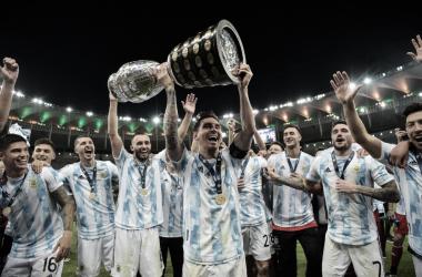 Messi e sua primeira taça (Foto: Divulgação/Copa América)