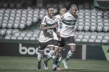 Coritiba supera Ponte Preta e garante título simbólico do primeiro turno na Série B