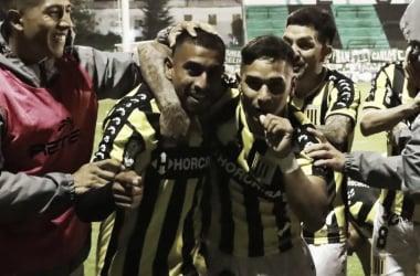 Cristian Chávez la figura del partido con sus tres goles (Foto: @Club_AlteBrown)