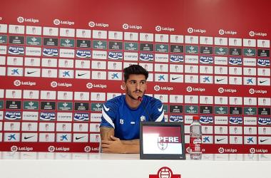 Carlos Neva durante la rueda de prensa. Foto: Juan Pérez Martín.