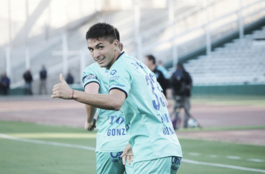 Festejo de gol para Ezequiel Bullaude.<div>Fuente: web.</div>