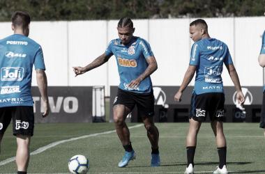 Em jogo atrasado peloBrasileirão, Corinthians e Chapecoense têm decisão pela frente