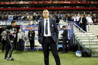 Bruno Genesio ficou decepcionado com o resultado da partida contra o Angers (Foto: Divulgação/Facebook)