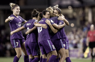 The team converges to celebrate a goal | Photo: Orlando Pride