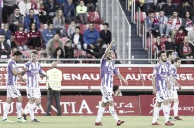 Óscar Plano celebra uno de sus goles como blanquivioleta / Foto: realvalladolid.es