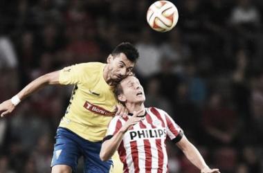 Os canarinhos terão de voar mais alto para vencer o PSV (foto: uefa.com)