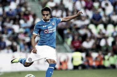 Omar Mendoza lateral derecho del Cruz Azul | Fuente: Mediotiempo