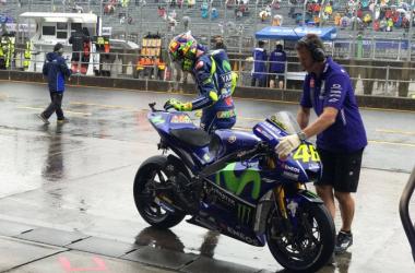 """MotoGP - Yamaha in difficotà sul bagnato, Rossi: """"La moto non è migliorata"""""""