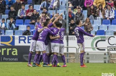 El equipo celebra un tanto en La Romareda. (Fotografía: Andrea Royo | VAVEL).