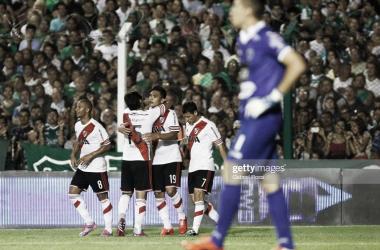 FIGURA. Teo Gutiérrez(19) anotó un duplicado, en la última vez que River visitó Junín. Foto: Getty images