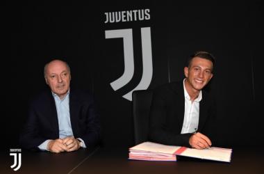 Le nouveau Juventini signe sont contrat de 5 ans le liant jusqu'en 2022.