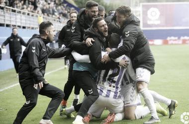 El Real Valladolid celebra la remontada frente al Éibar // FUENTE: Real Valladolid