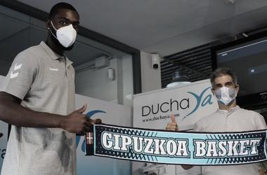 """Viny Okouo:""""Quiero demostrar que puedo jugar en la ACB"""""""