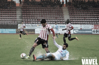 Fotos e imágenes del SD Compostela 0-2 UD Logroñés de la jornada 20, Segunda División B Grupo I