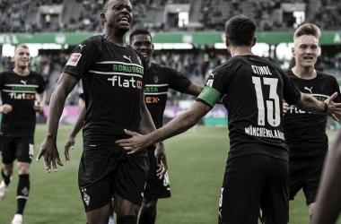 El festejo de los jugadores del Gladbach / Foto: @borussia