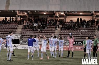 Fotos e imágenes del SD Compostela 2-0 CD Izarra de la jornada 22, Segunda División B Grupo I
