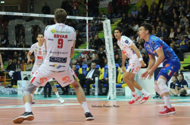 Volley M - Nella Superlega UnipolSai la Lube si impone al tie break su Padova. Modena vince facile