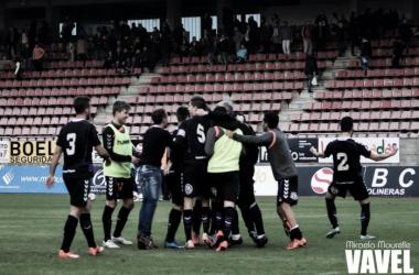 Fotos e imágenes del SD Compostela 0-1 Real Valladolid B de la jornada 26, Segunda División B Grupo I