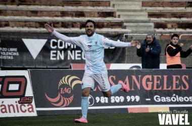 Fotos e imágenes del SD Compostela 3-1 CP Cacereño SAD de la jornada 30, Segunda División B Grupo I