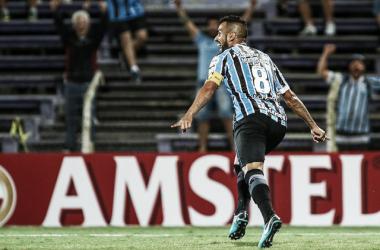 Capitão Maicon comemora gol marcado contra Defensor na estreia (Foto: Lucas Uebel/ Grêmio FBPA)