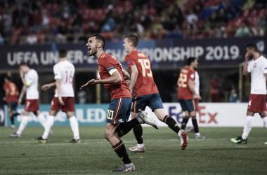 Dani Ceballos festeja su golazo de falta directa / Foto: UEFA