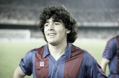 Diego Armando Maradona, leyenda del Nápoles y el FC Barcelona