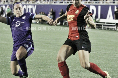 Lynn Williams (right) in action against the Orlando Pride | Source: Bernie Walls- VAVEL USA