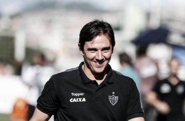 Thiago Larghi vê evolução do Atlético-MG dentro de campo, mas nega 'equipe ideal'