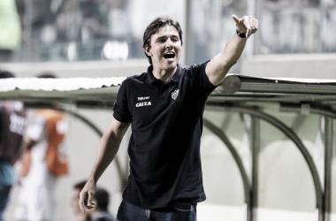 Thiago Larghi elogia postura ofensiva do Atlético-MG no clássico e explica mudança tática na equipe