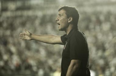 """Zé Ricardo comemora vitória, mas ressalta: """"É só o primeiro passo"""""""