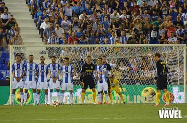 Serantes, héroe frente al Atlético, partirá de inicio en El Molinón | Fotografía: Gema Gil - Vavel