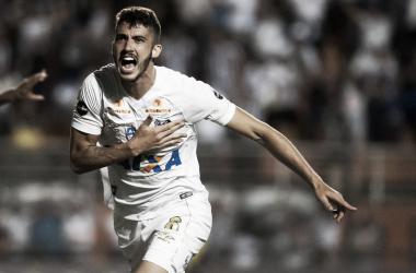 """Gustavo Henrique acredita em melhora do Santos com reforços : """"Vamos conseguir coisas boas"""""""