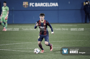 Gavi, durante su debut con el Barça B | Foto: Noelia Déniz - VAVEL