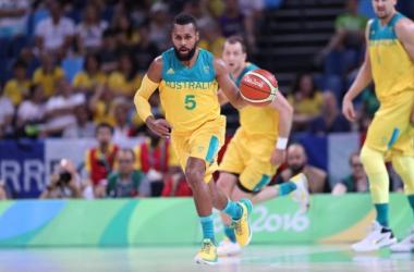 Austrália vai bem, surpreende e bate França na estreia do basquete masculino