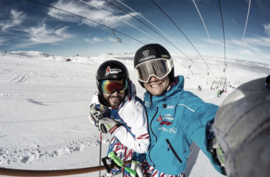 Brice Roger and Blaise Giezendanner coming back on their skis in Les Deux Alpes | Photo: Blaise Giezendanner