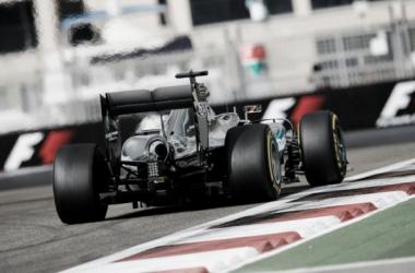 Hamilton recorriendo el trazado | Foto: Fórmula 1