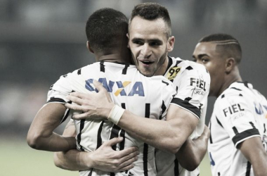 Renato Augusto e Gil celebram fim do jejum após gols diante do Vasco