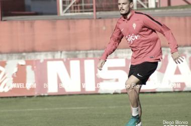 Sergio Álvarez abandona el Sporting de Gijón. | Imagen: Diego Blanco-VAVEL.