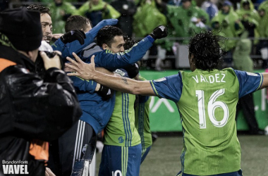 Nicolás Lodeiro celebrates with the team after converting his penalty in the 61st minute | Source: Brandon Farris - VAVEL USA