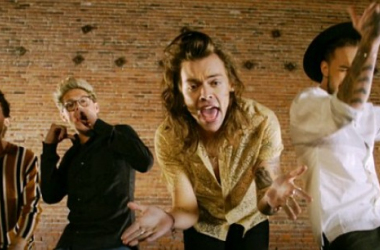 "One Direction durante su videoclip de ""History"""