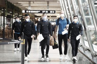 Los jugadores fortineros viajaron este Lunes hacia el país trasandino. Foto: @Velez