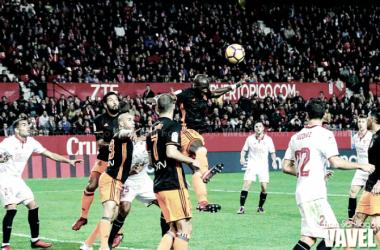Sevilla FC - Valencia CF, puntuaciones de la decimotercera jornada de La Liga | Fuente: Fran Santiago (VAVEL)