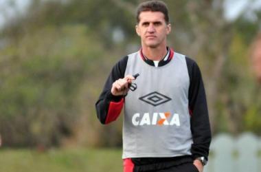 Mirando o G-4, Furacão recebe o Criciúma em Curitiba