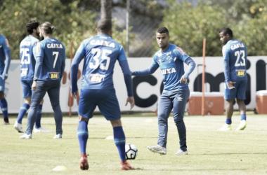 Jogadores finalizaram a preparação para o duelo contra o Botafogo (Foto: Washington Alves/Light Press/Cruzeiro)