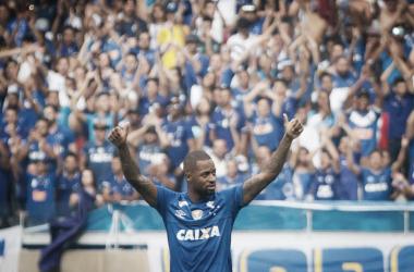 Dedé segue mais um ano no Cruzeiro (Foto: Divulgação/Cruzeiro)