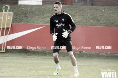 Óscar Whalley pone fin a su etapa en el Sporting. | Imagen: Diego Blanco-VAVEL.