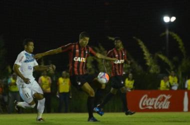 Atlético-PR tropeça em casa diante do Londrina