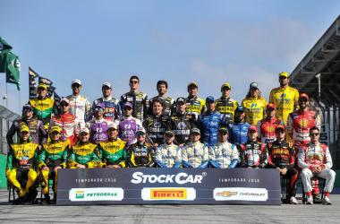 Metade dos pilotos nesta foto já venceram uma prova da Stock Car em Curitiba  (Duda Bairros/VICAR/Vipcomm)