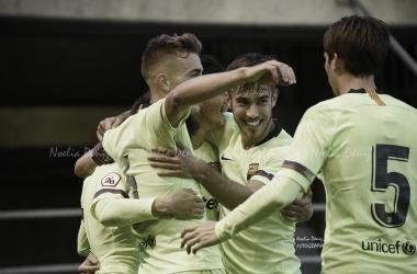 El Barça B celebrando un gol contra el CD Teruel. Foto: Noelia Déniz, VAVEL