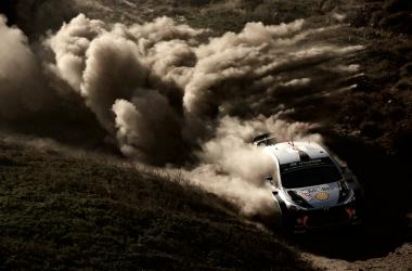 Neuville al frente del campeonato de pilotos | Foto: Hyundai Motorsport